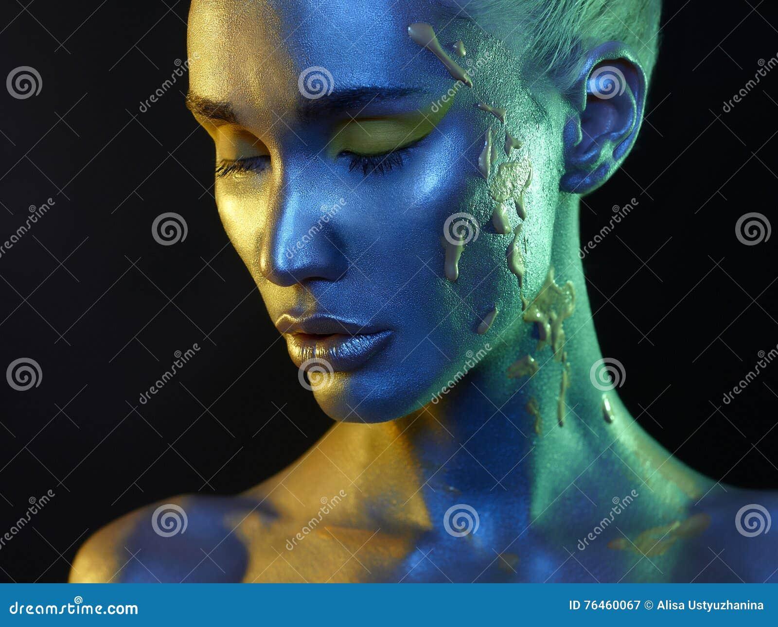 人体艺术和化妆师面孔