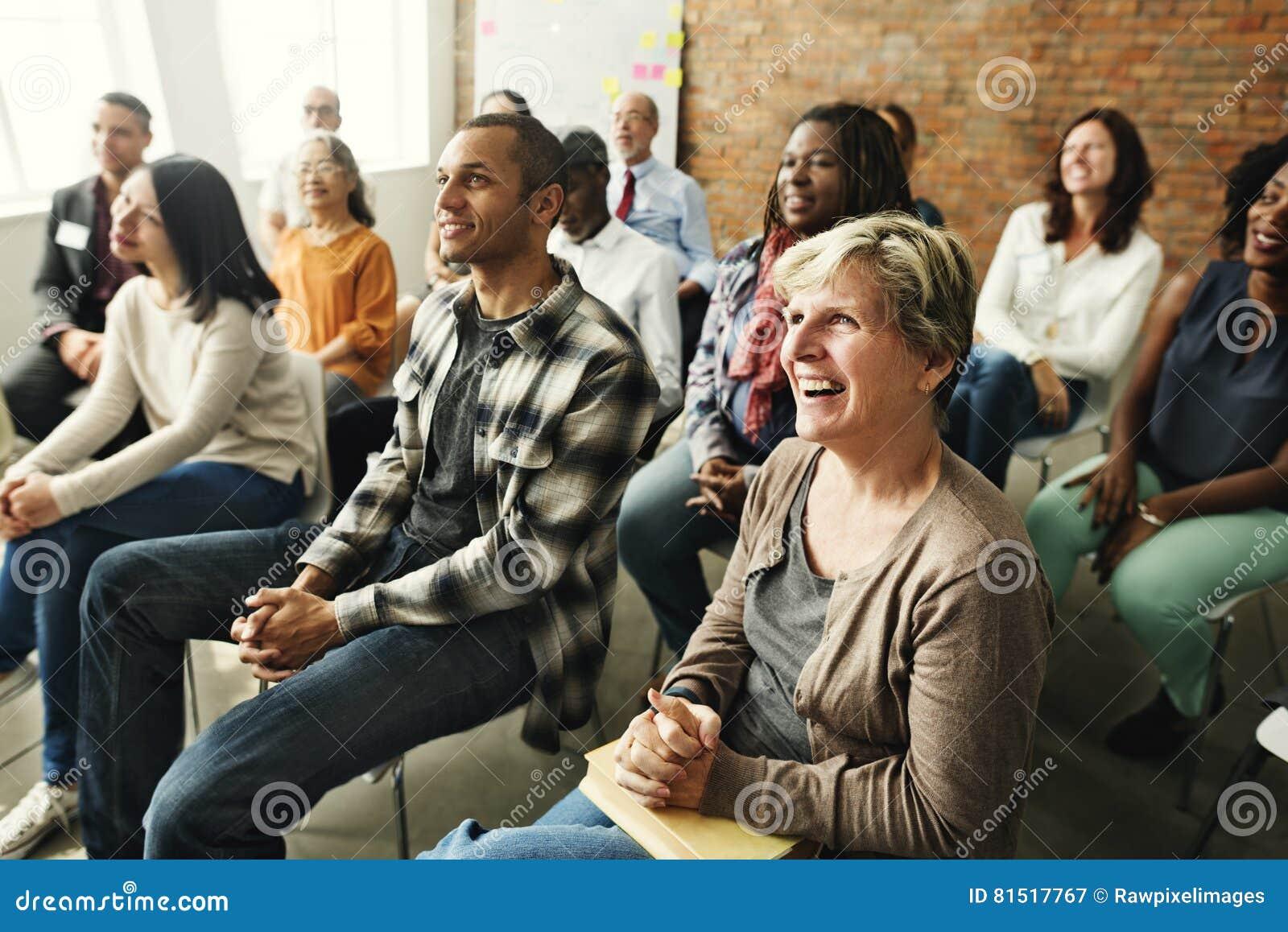 人变化观众听的乐趣幸福概念