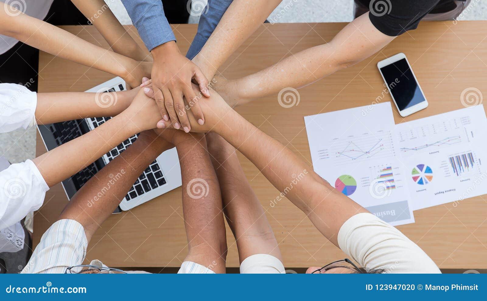 人的手是合作