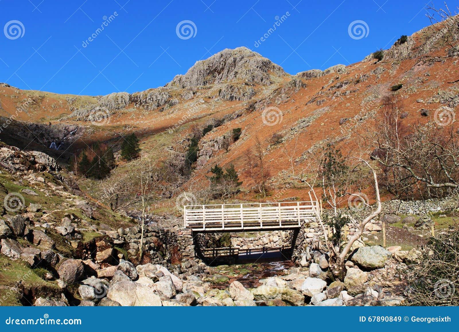 人行桥坚持己见Ghyll,伟大的Langdale, Cumbria