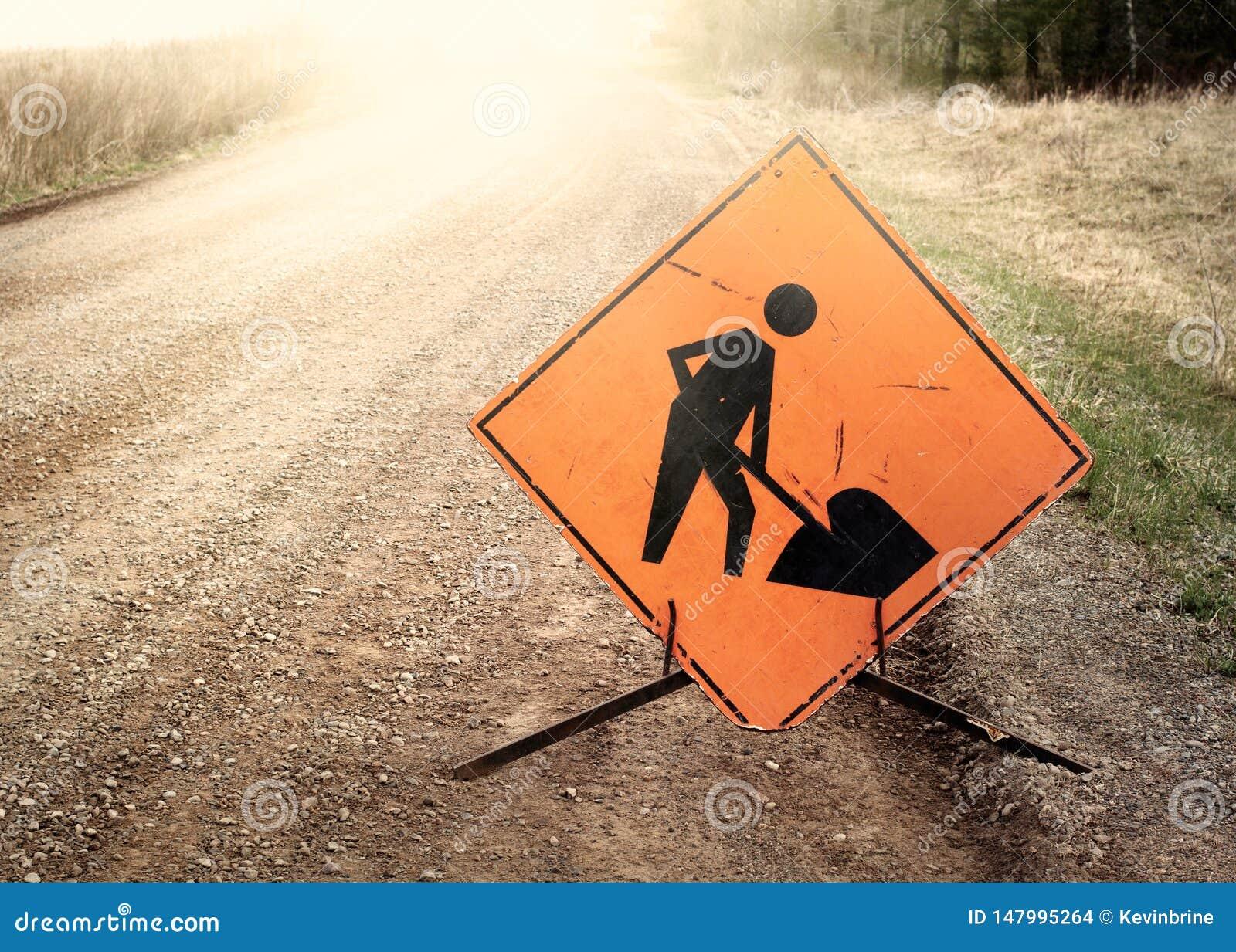 人运作的小心标志