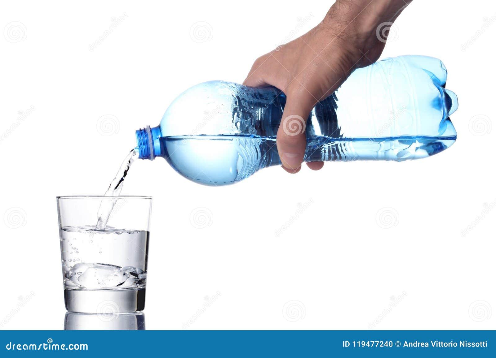 人` s手积土每与塑料瓶,包括的裁减路线的水玻璃