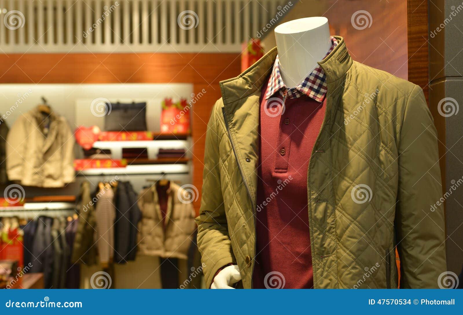 人s秋天冬天时装的时尚时装模特购物