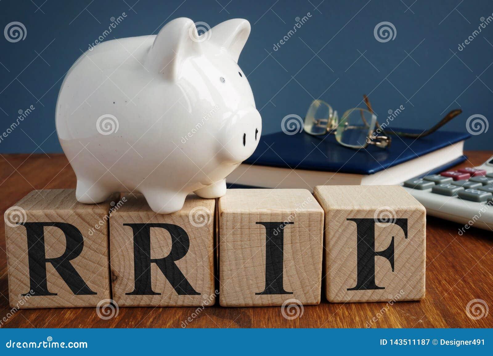 从立方体的登记的退休收入资金RRIF