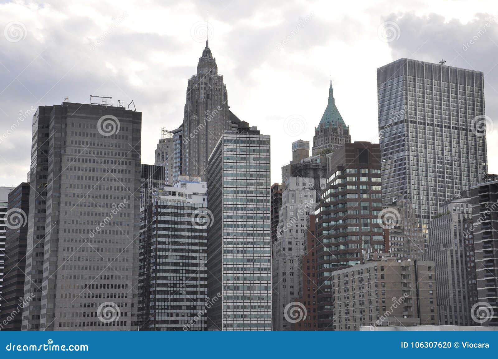 从纽约的东部曼哈顿摩天大楼在美国