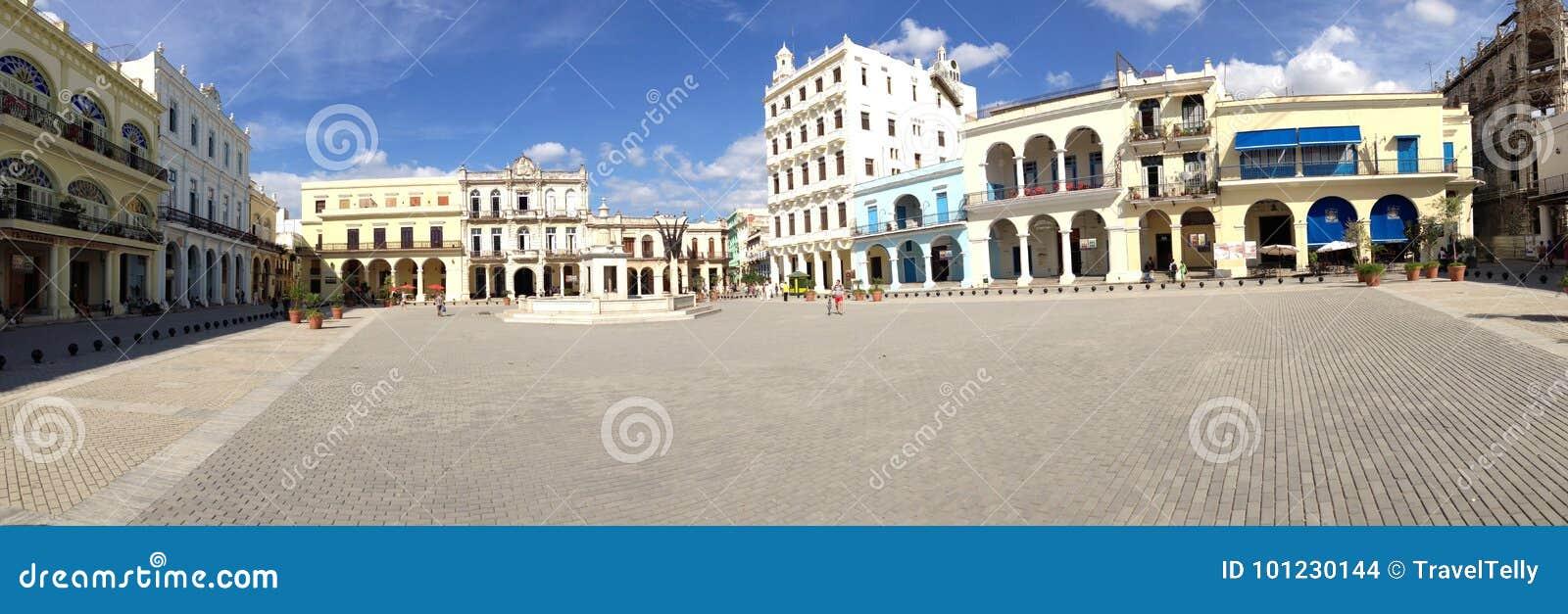 从老镇中心的全景在哈瓦那