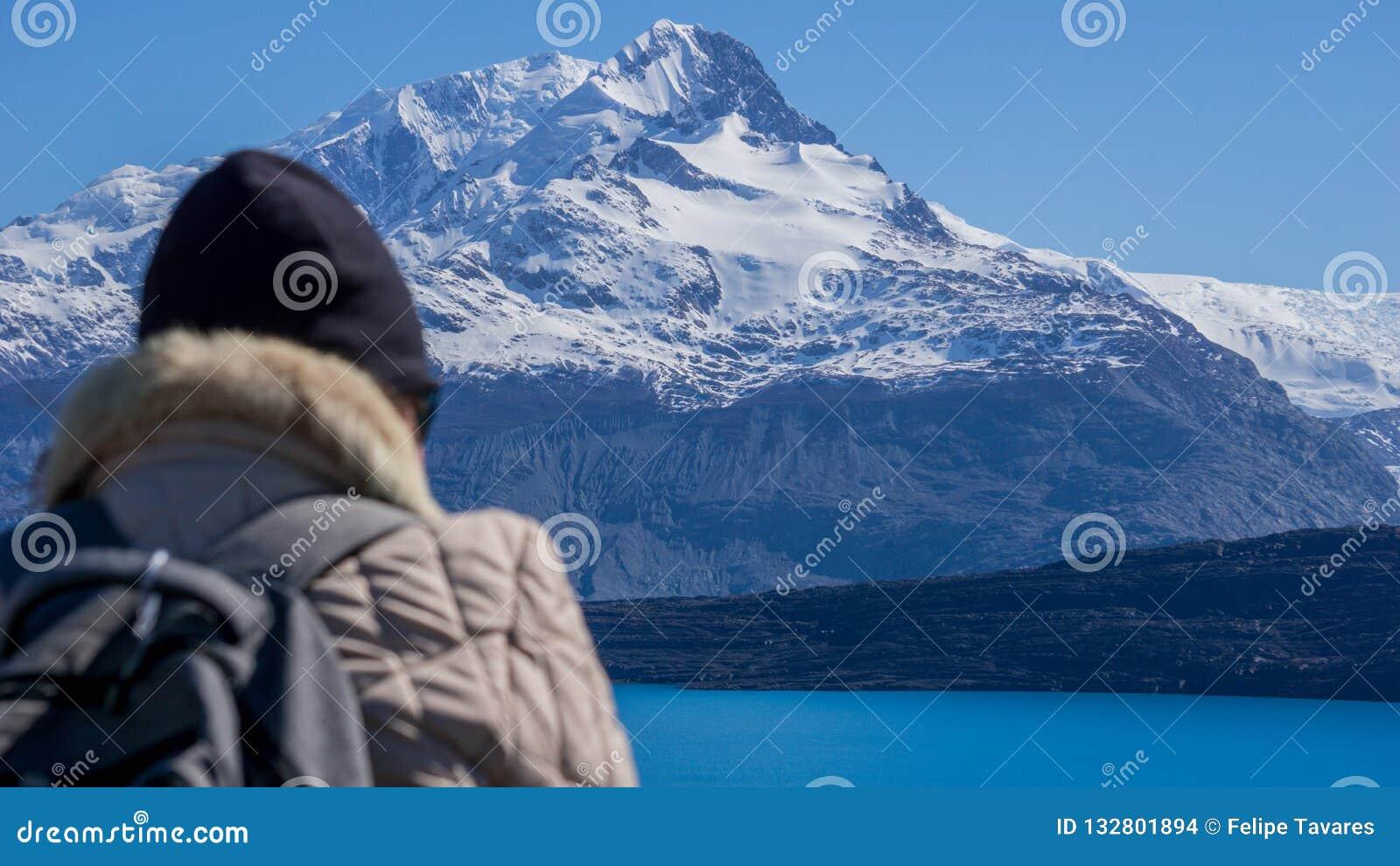 从Estancia克里斯蒂娜和Glaciar Upsala,巴塔哥尼亚,阿根廷的风景看法