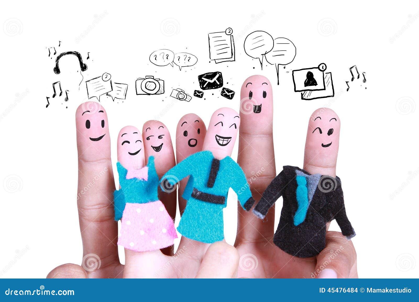 企业社交网络的标志的微笑的手指