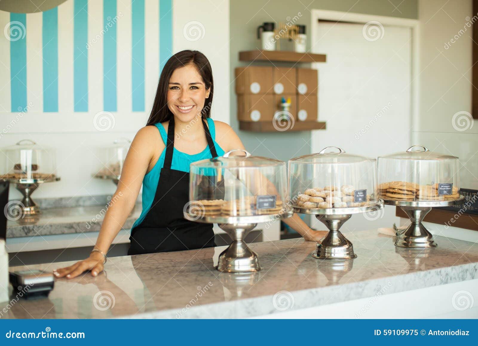 企业主在面包店