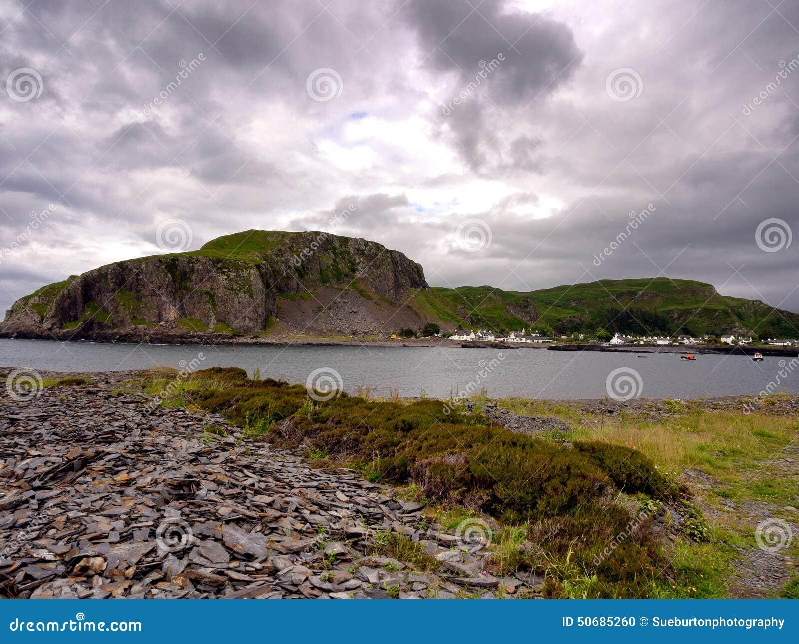Download 伊斯代尔岛海岛海岸 库存照片. 图片 包括有 猎物, hebrides, 海岛, 夏天, 内在, 独轮车 - 50685260