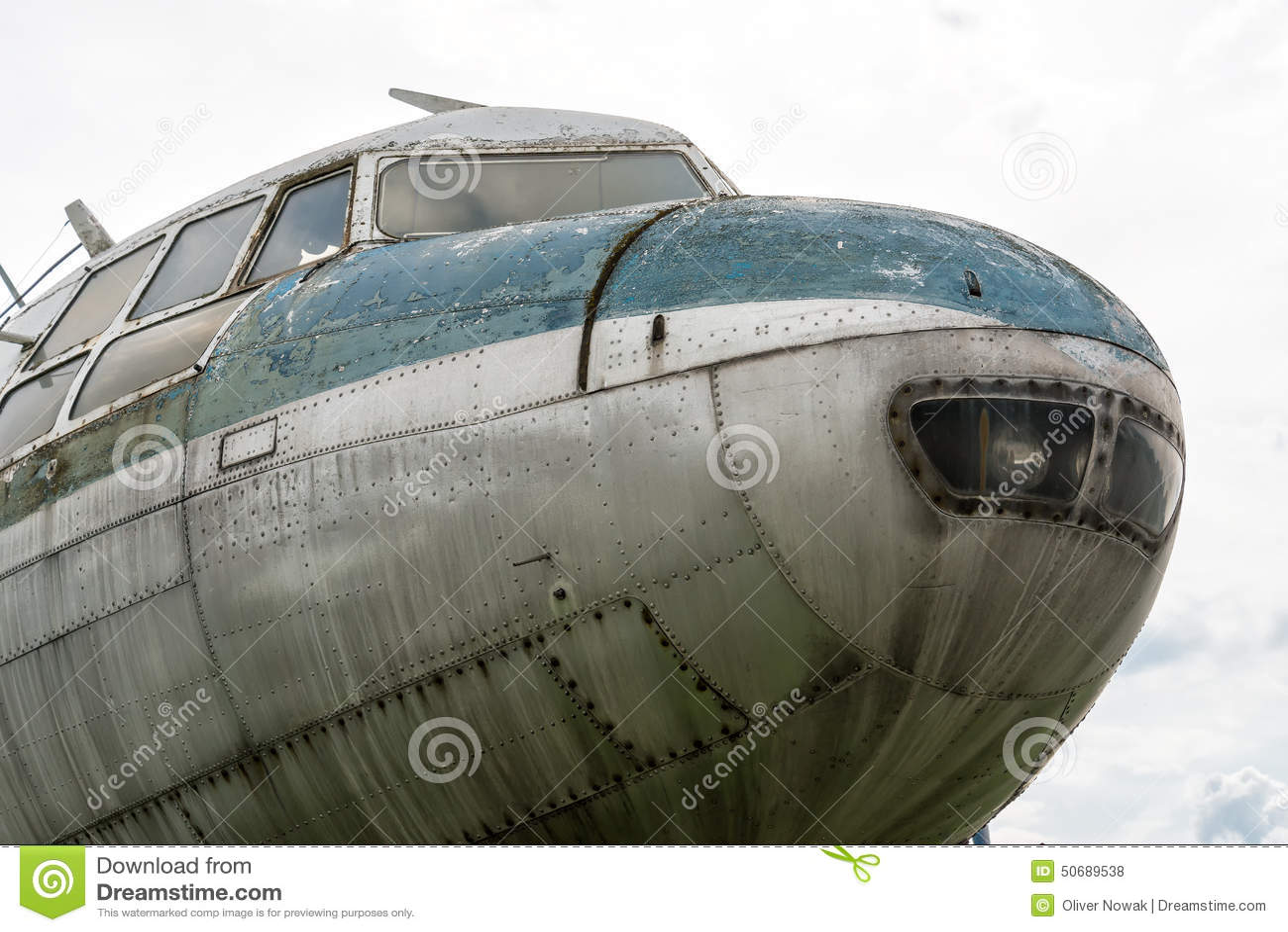Download 伊柳申Il14 库存照片. 图片 包括有 ilyushin, 如同, 驾驶舱, 机体, 放弃了, 飞行, äº - 50689538
