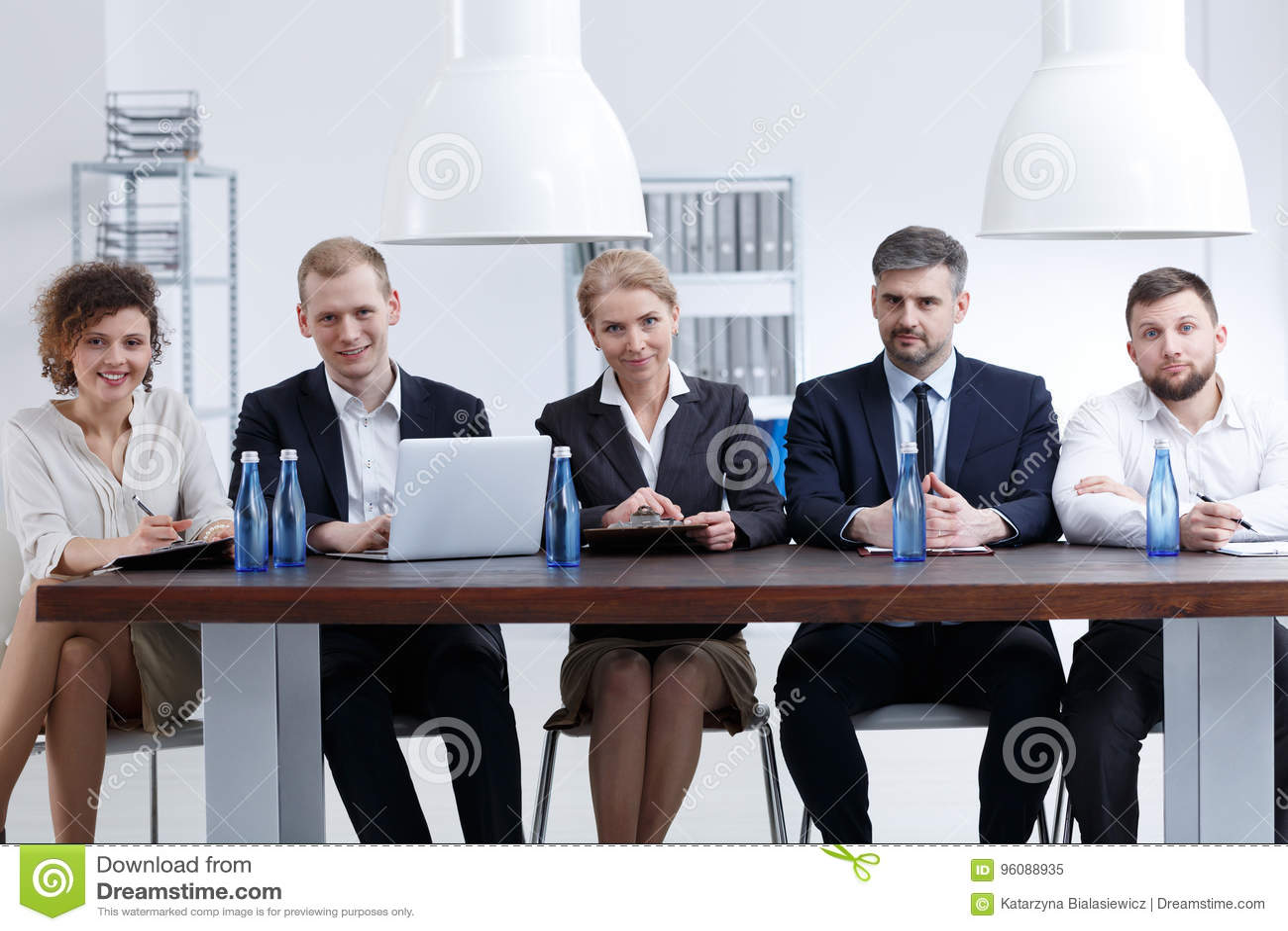 众多的补充委员会