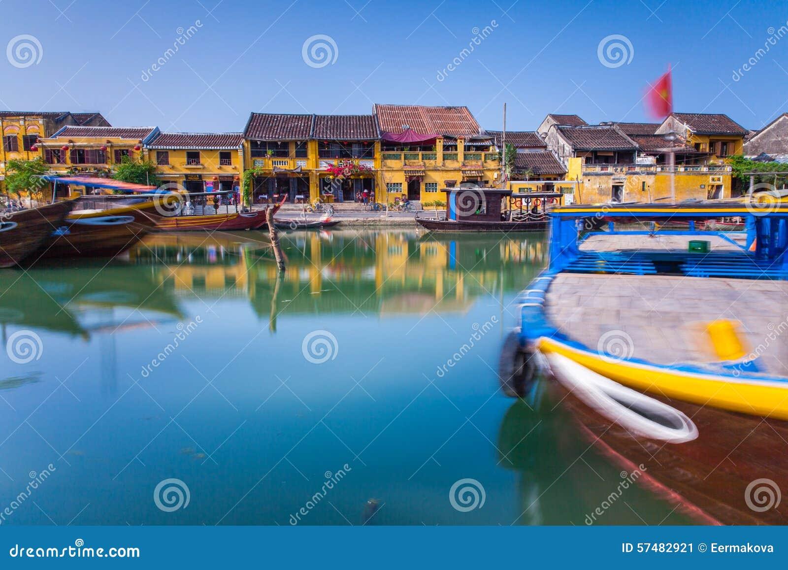 会安市古镇,越南河沿