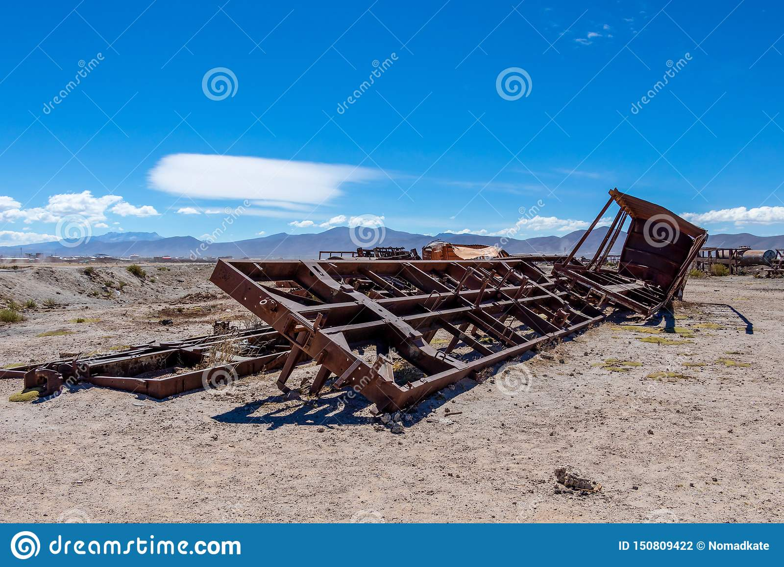 伟大的火车坟园或蒸汽机车公墓乌尤尼盐沼的,玻利维亚