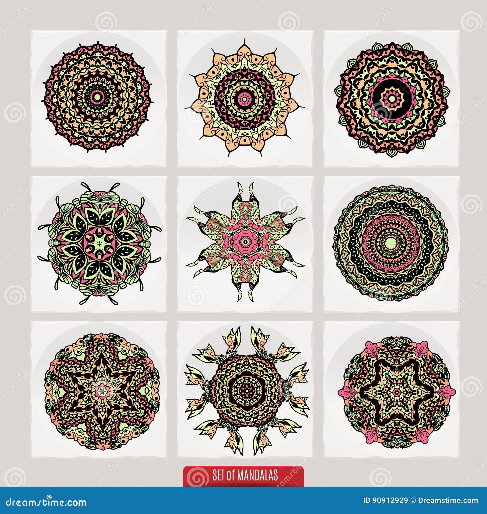 传染媒介套根据传统亚洲装饰品的无刺指甲花花卉元素 佩兹利Mehndi乱画汇集