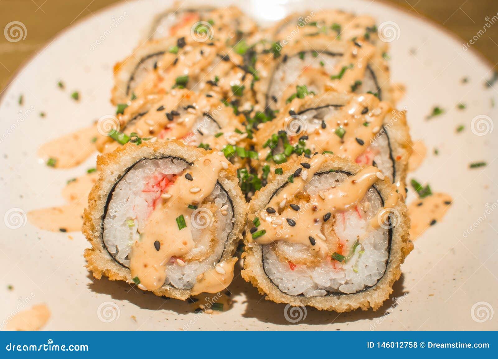 传统日本豆腐寿司