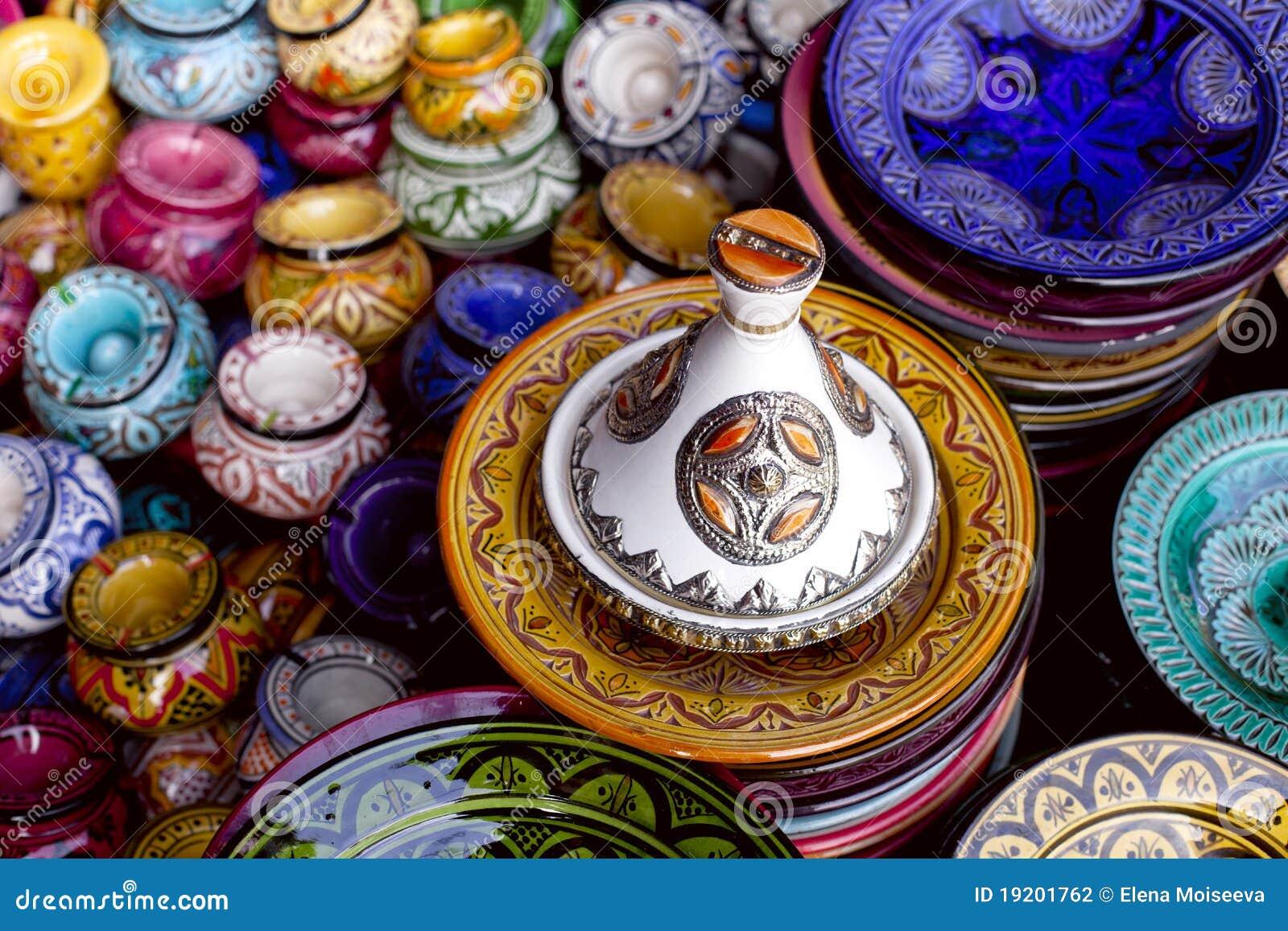 传统装饰的摩洛哥纪念品的tagine