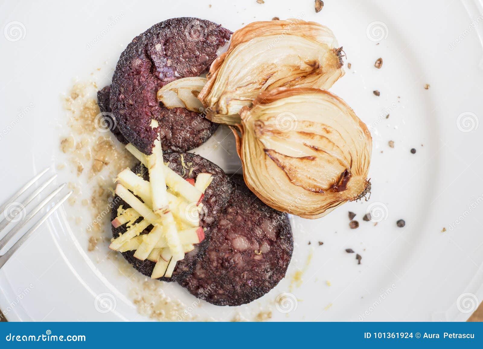 传统香肠用烤葱