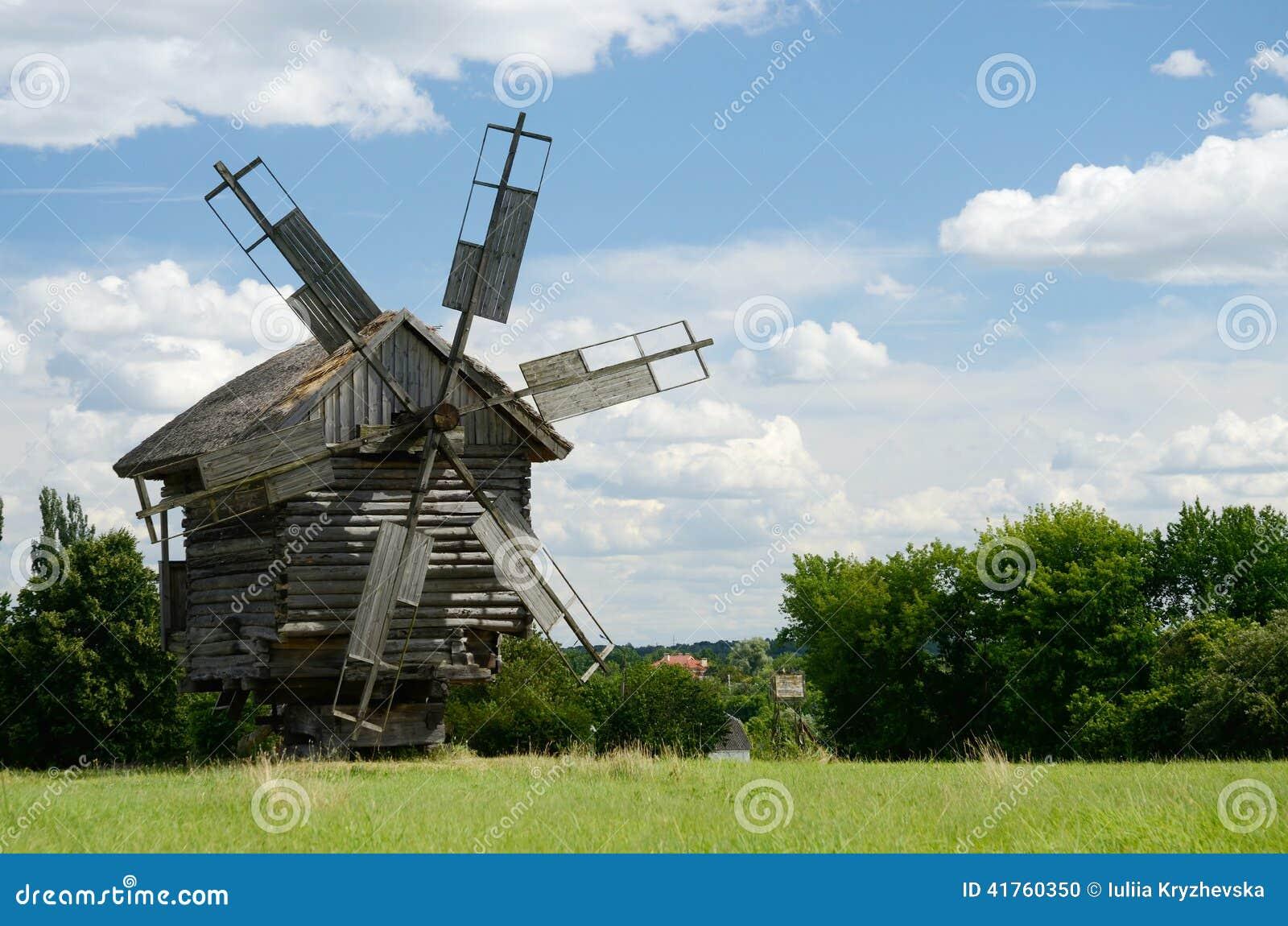 传统老乌克兰农村风车, pirogovo,欧洲,联合国科教文组织遗产.图片