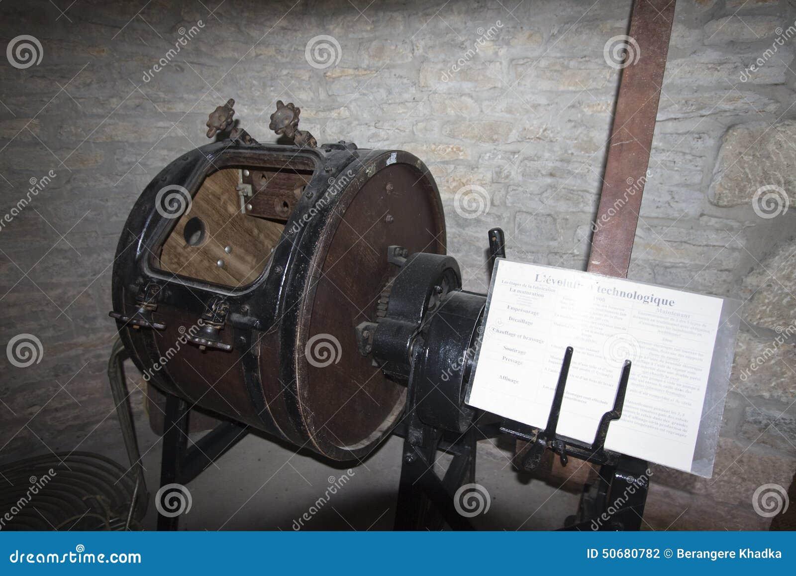 Download 传统老搅动在一个古老牛奶店,朱拉, Franche-Comté,法国 库存照片 - 图片 包括有 引擎, 乡下: 50680782