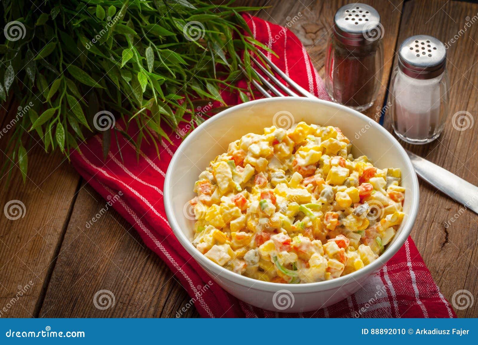 传统olivier俄国的沙拉
