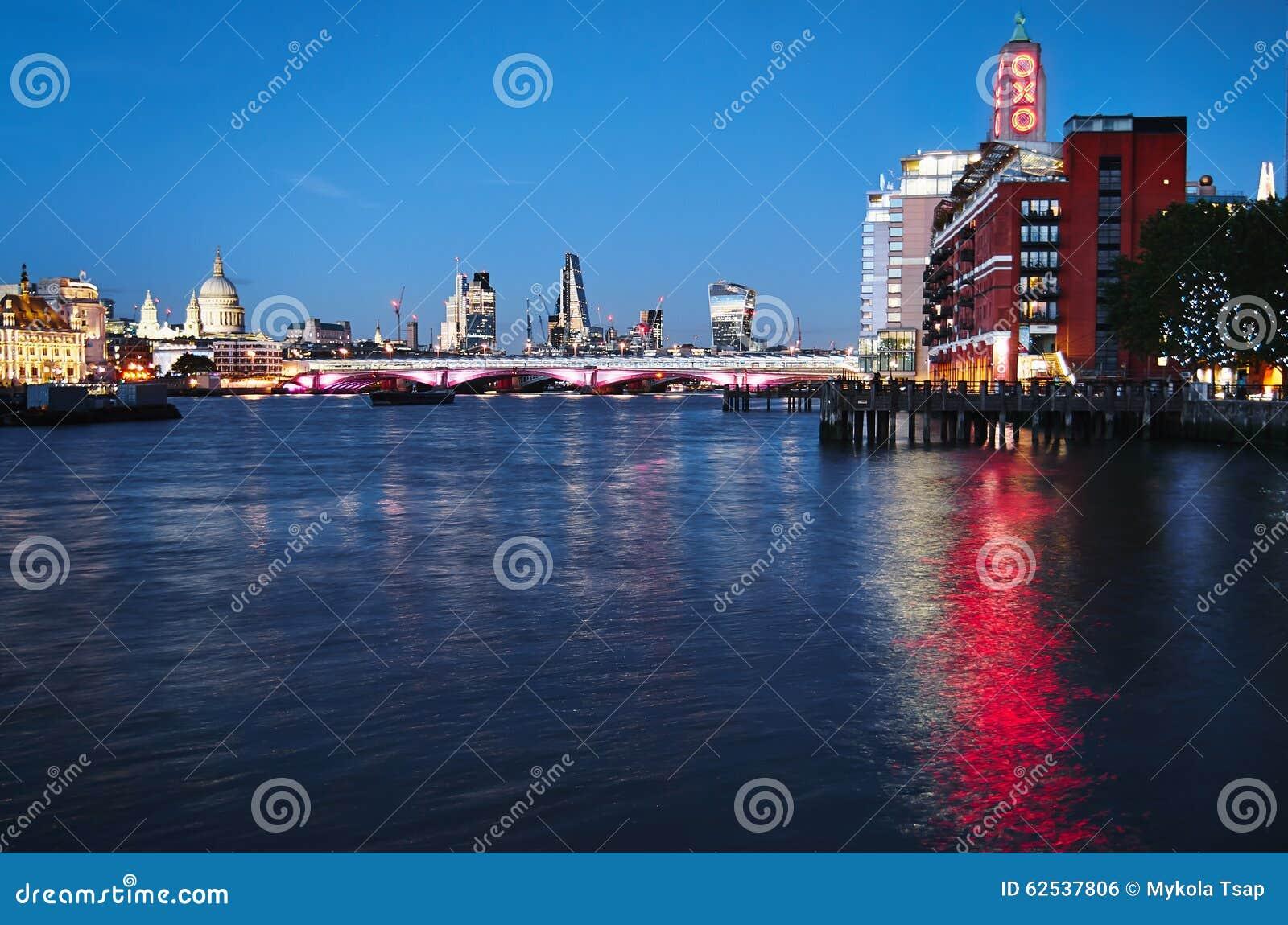 伦敦晚上都市风景