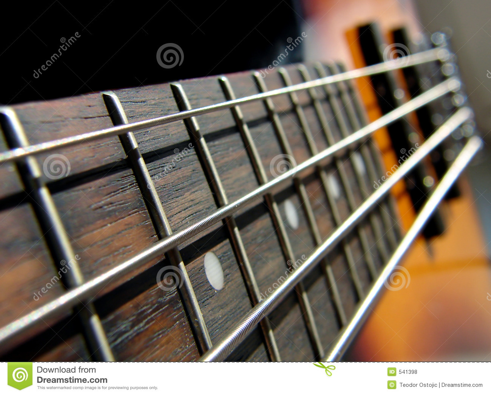 低音吉它岩石