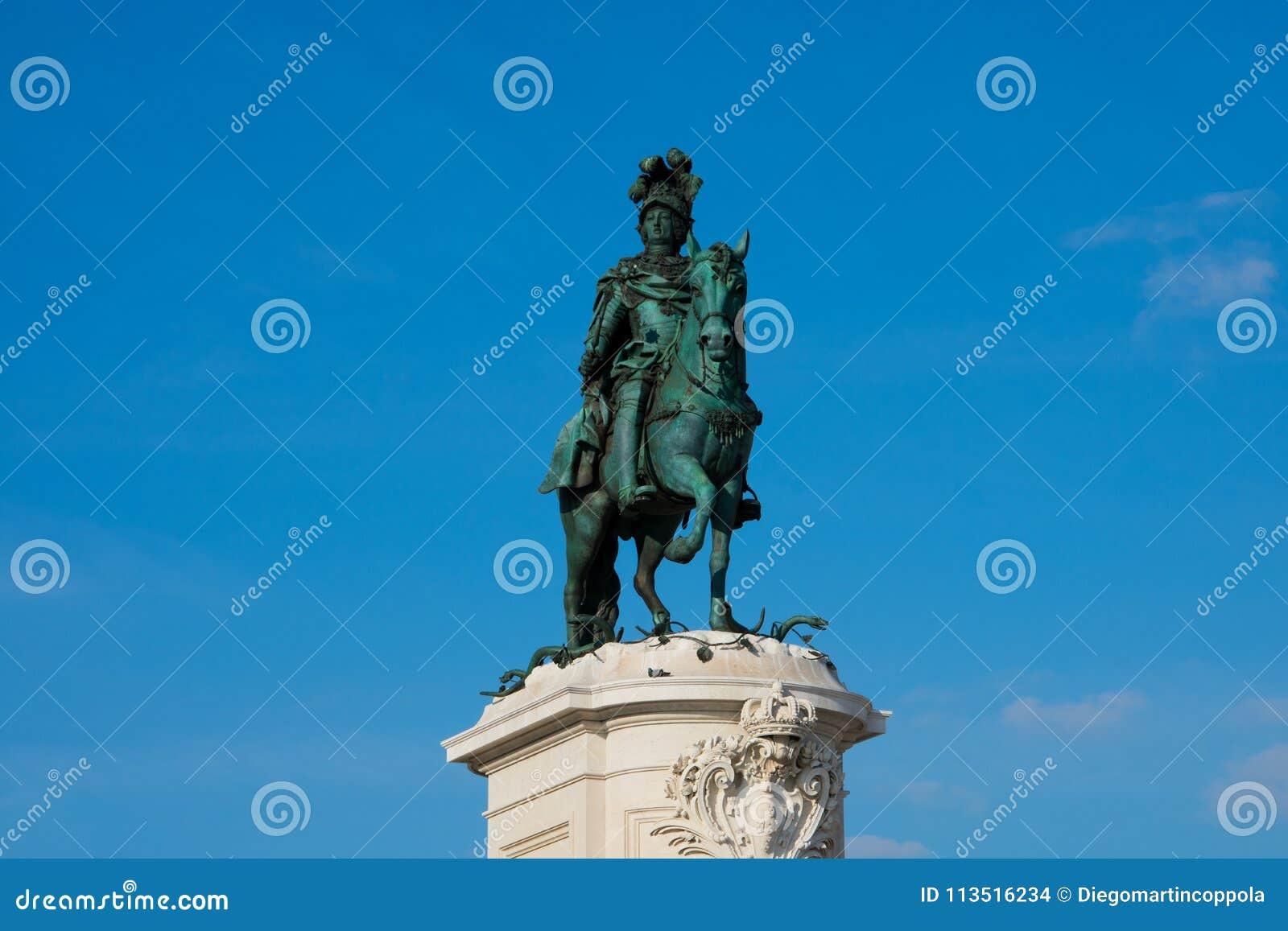 何塞I国王商务正方形的Praca雕象做Comercio