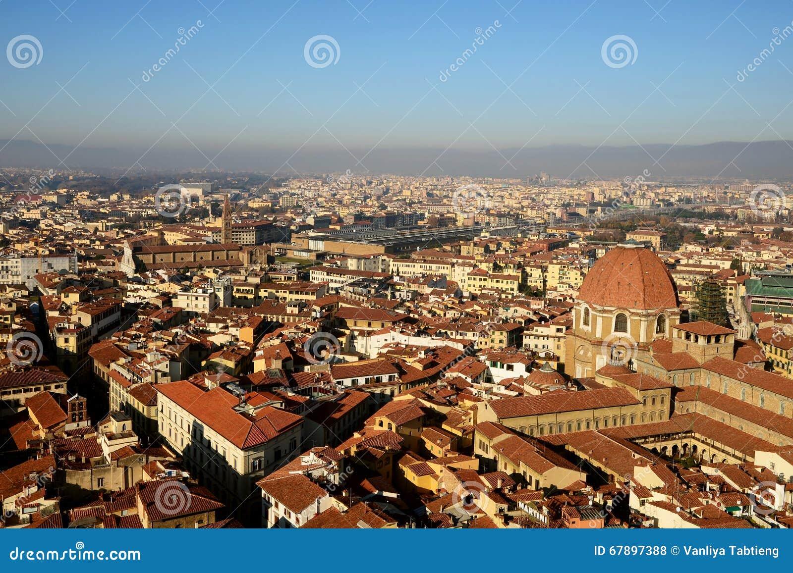 佛罗伦萨老镇都市风景从上面