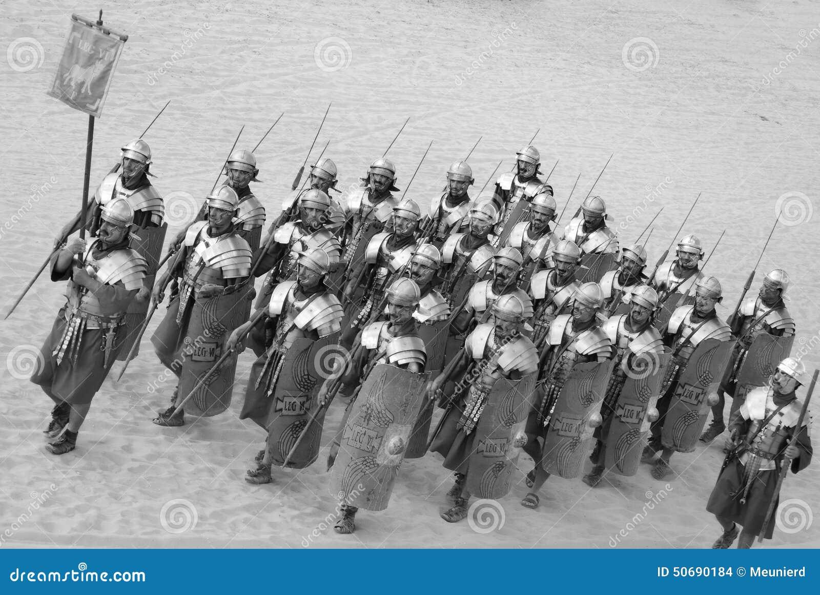 Download 作为罗马战士的约旦人礼服 编辑类库存图片. 图片 包括有 荣耀, 凯撒, 百人队队长, 纹章, 入侵, 盔甲 - 50690184