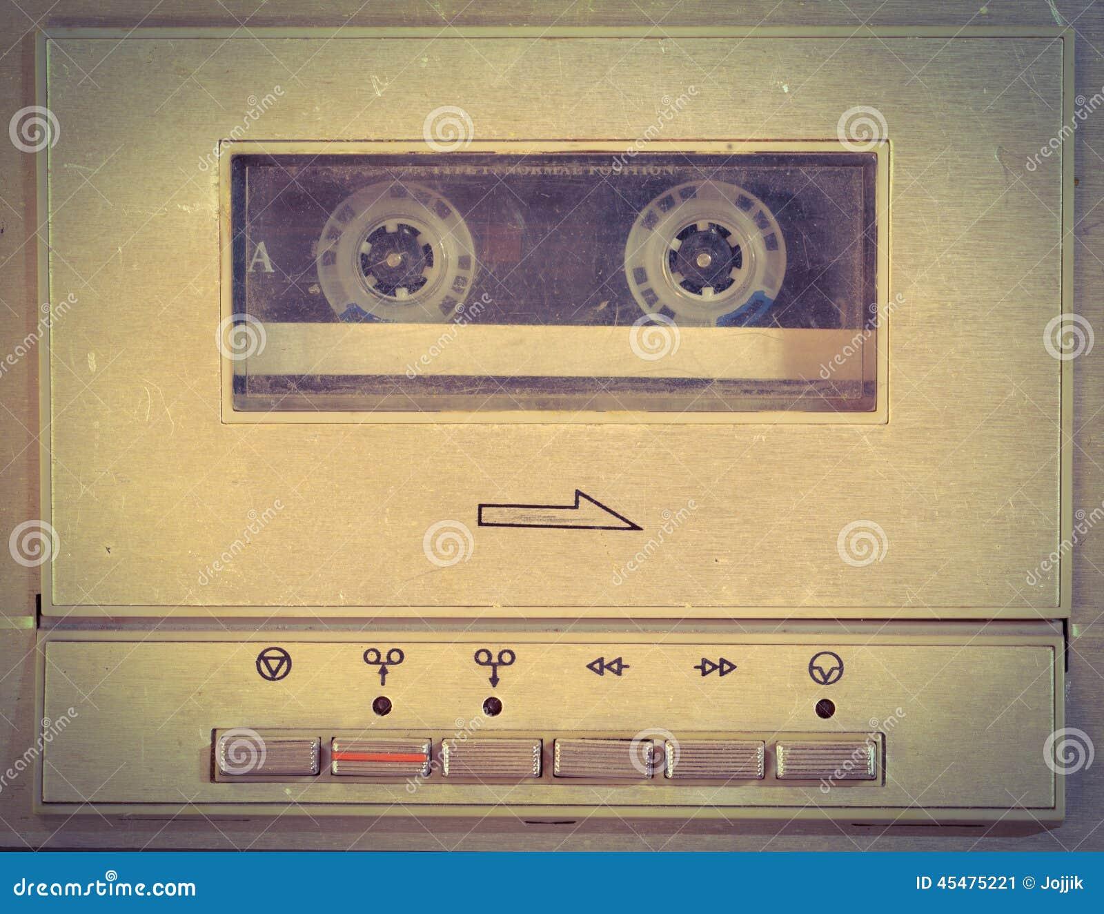 作为背景使用的老卡式磁带播放机