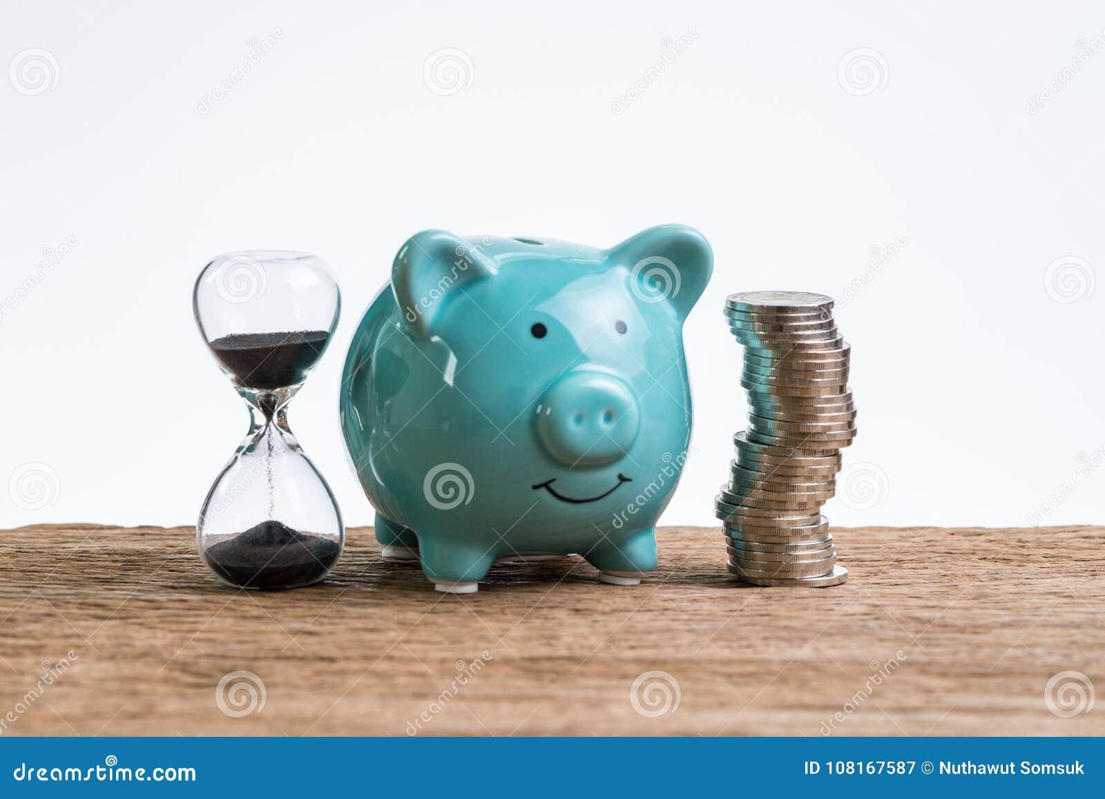 作为长期投资conce的退休储蓄金钱存钱罐