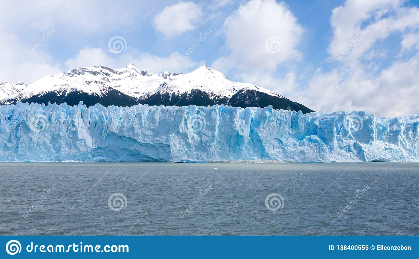 佩里托莫雷诺冰川视图,巴塔哥尼亚风景,阿根廷