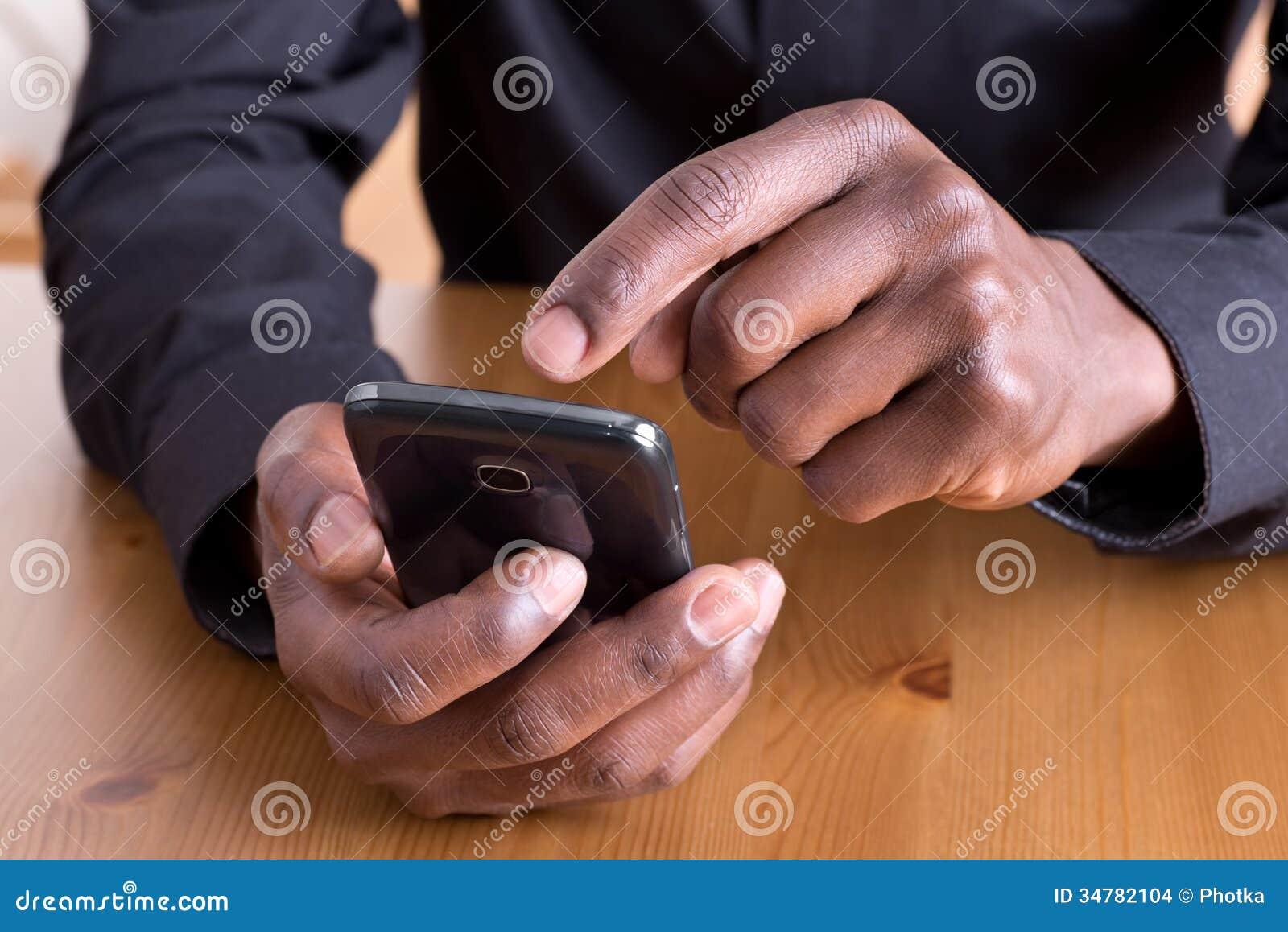 使用智能手机的人