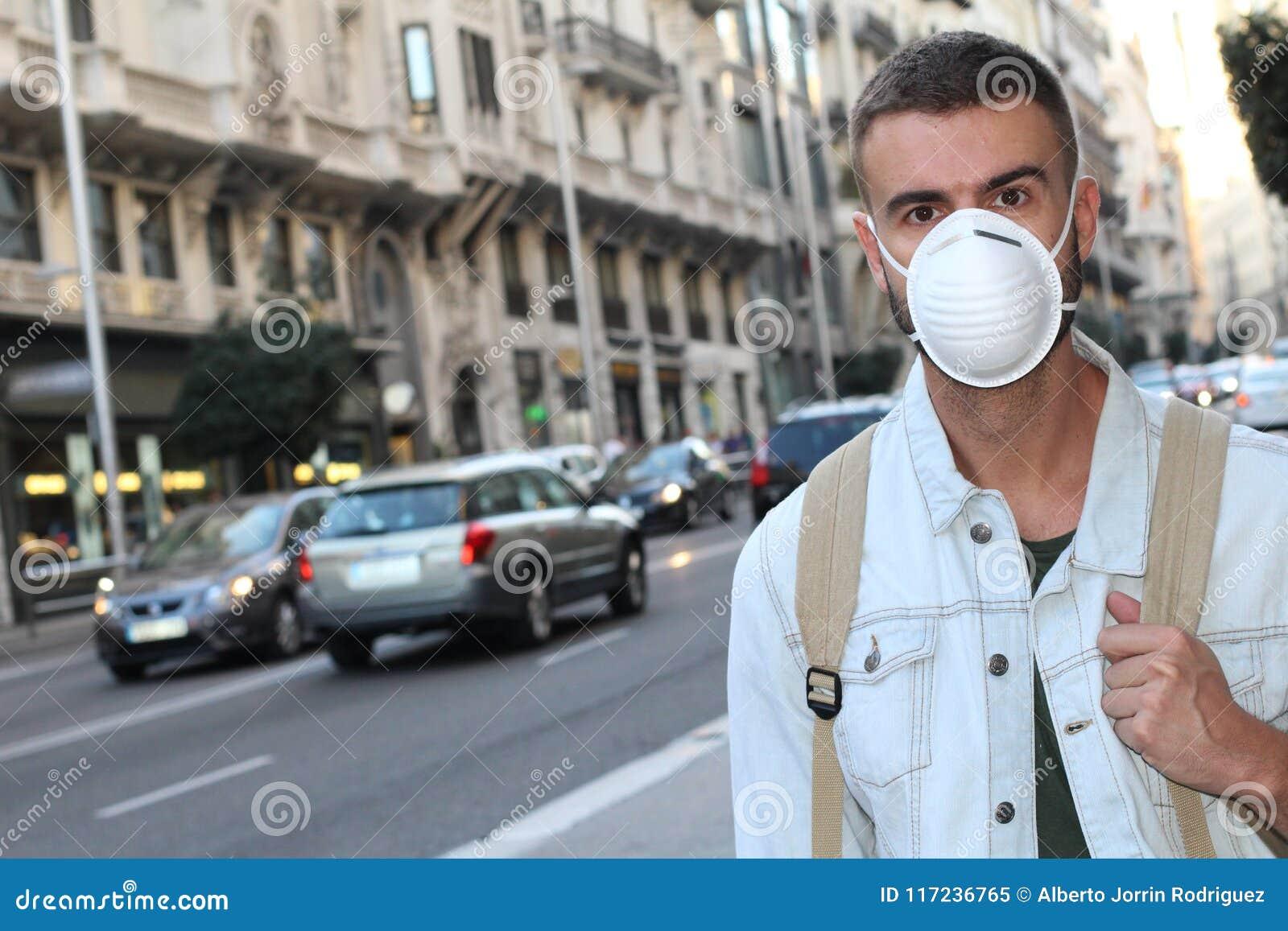 供以人员佩带的面罩由于令人厌恶的气味