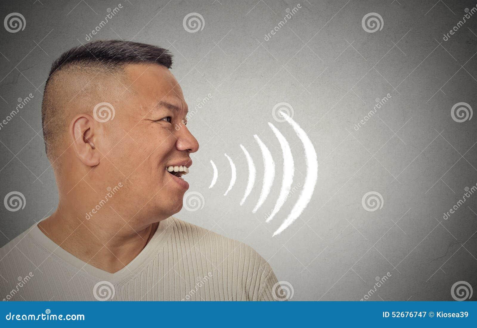 供以人员谈话与从他的开放嘴出来的声波