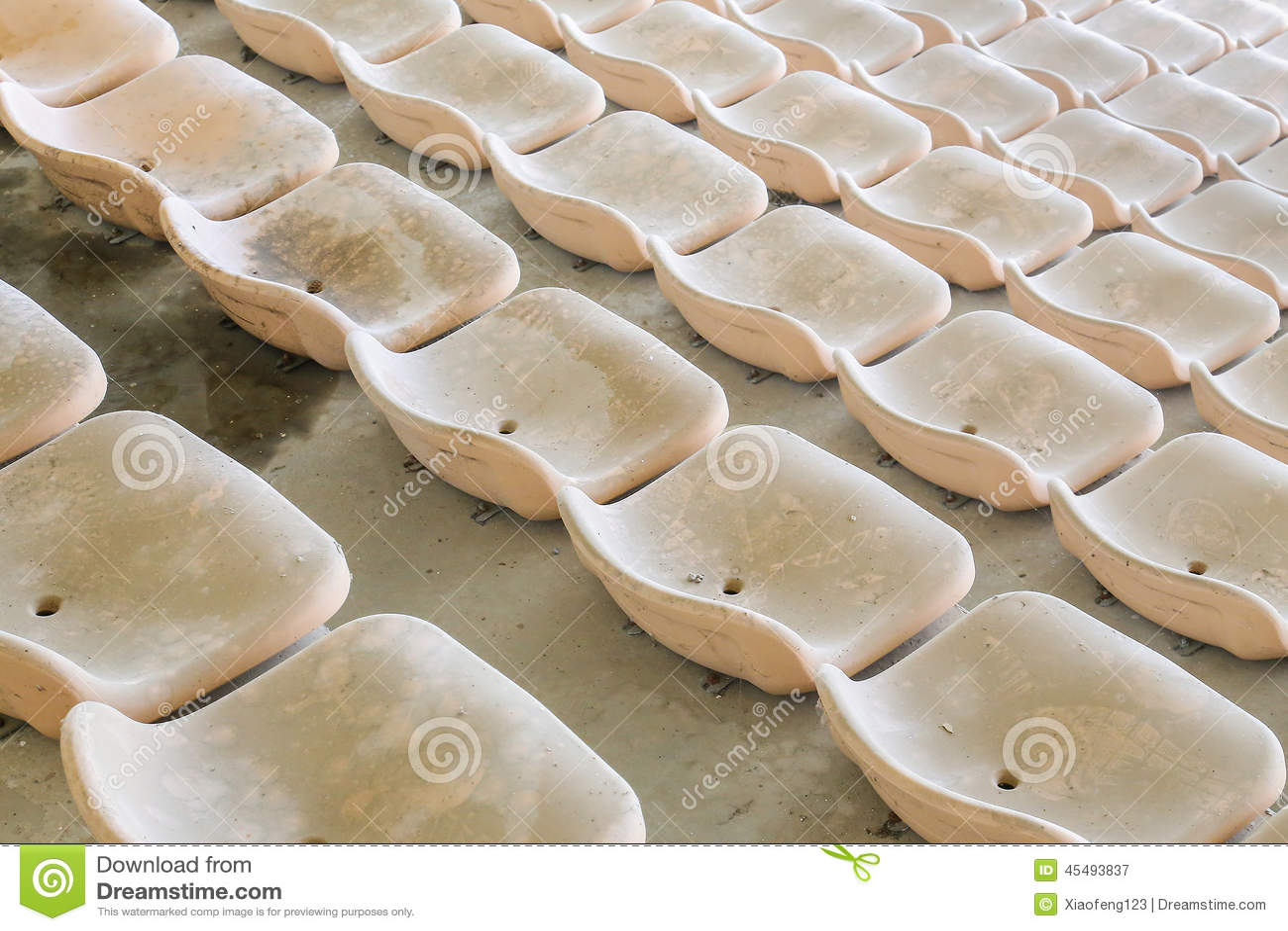 供以座位黄色
