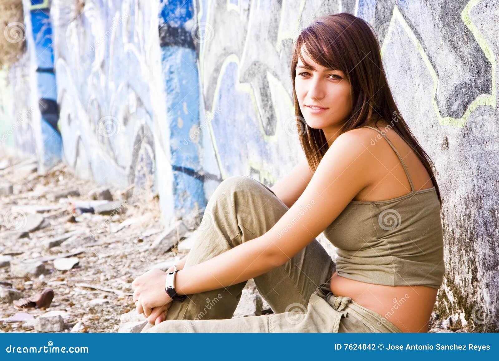 便衣妇女年轻人