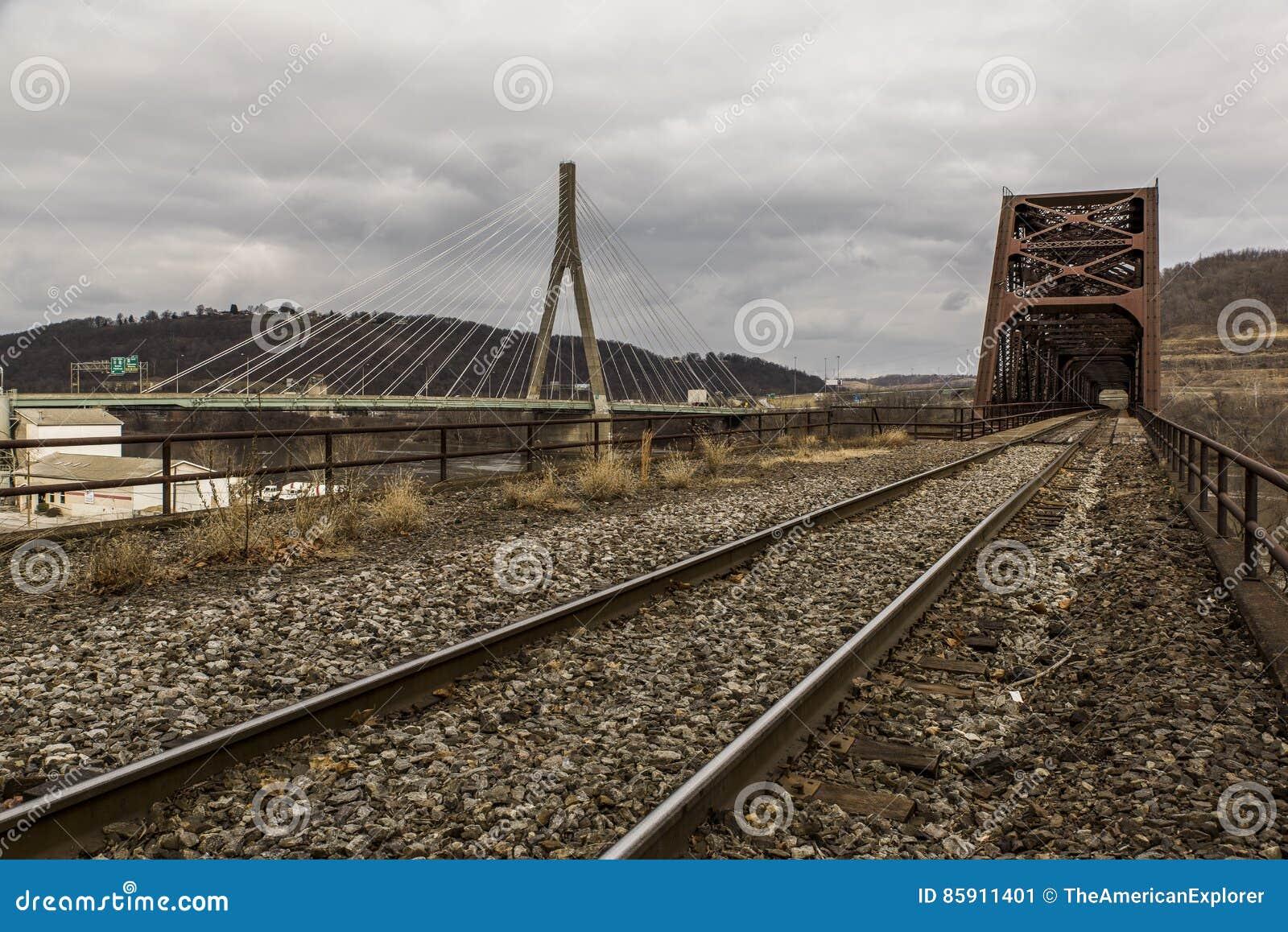俄亥俄河桥梁- Weirton、西维吉尼亚和Steubenville,俄亥俄