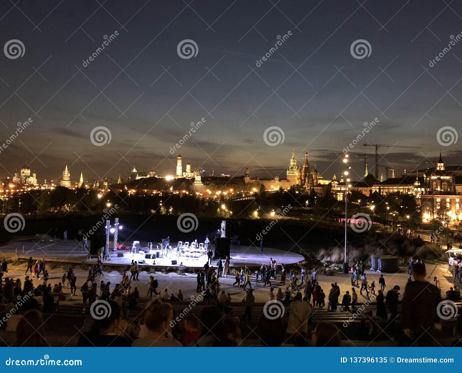 俄国首都莫斯科的中心在晚上