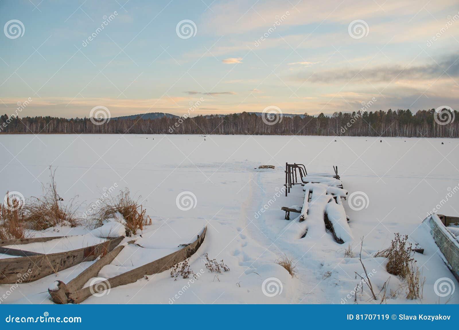 俄罗斯风景-村庄-日落
