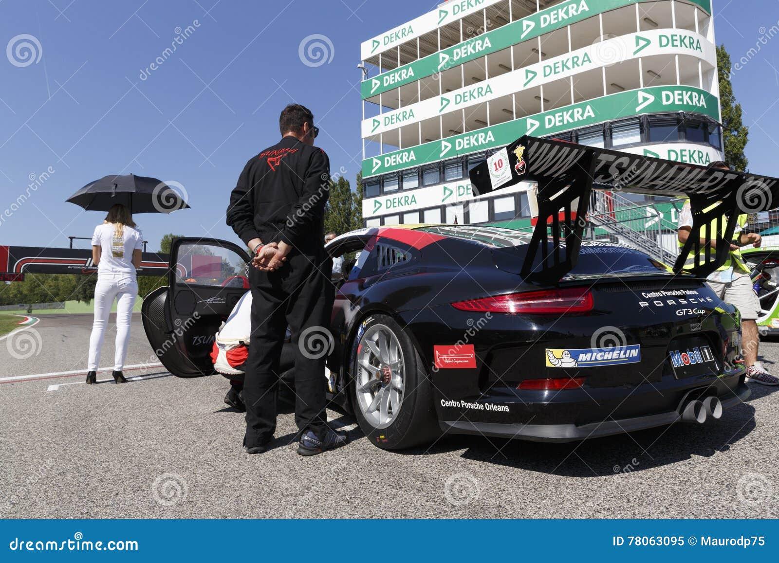 保时捷Carrera杯意大利小汽车赛