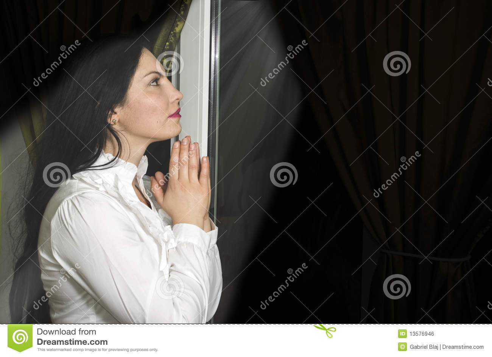 信念祷告妇女