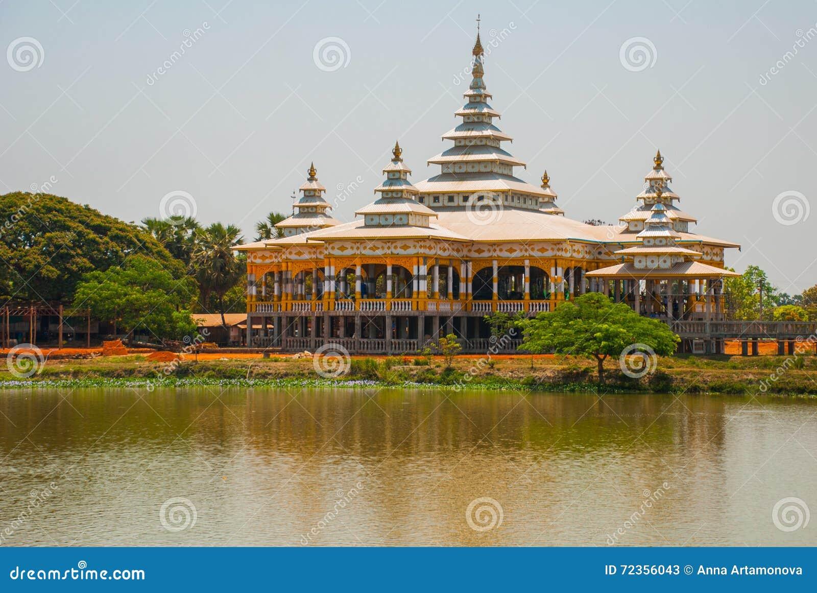 修道院在池塘 毛淡棉, Hha-an 缅甸 缅甸