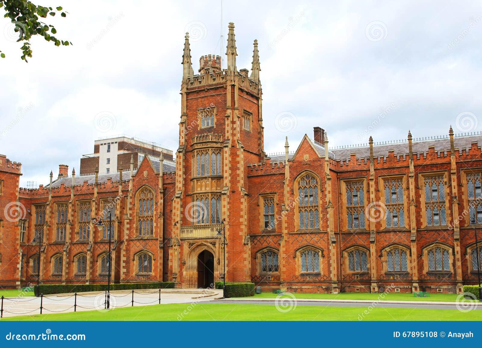 修建贝尔法斯特北爱尔兰英国的皇后大学