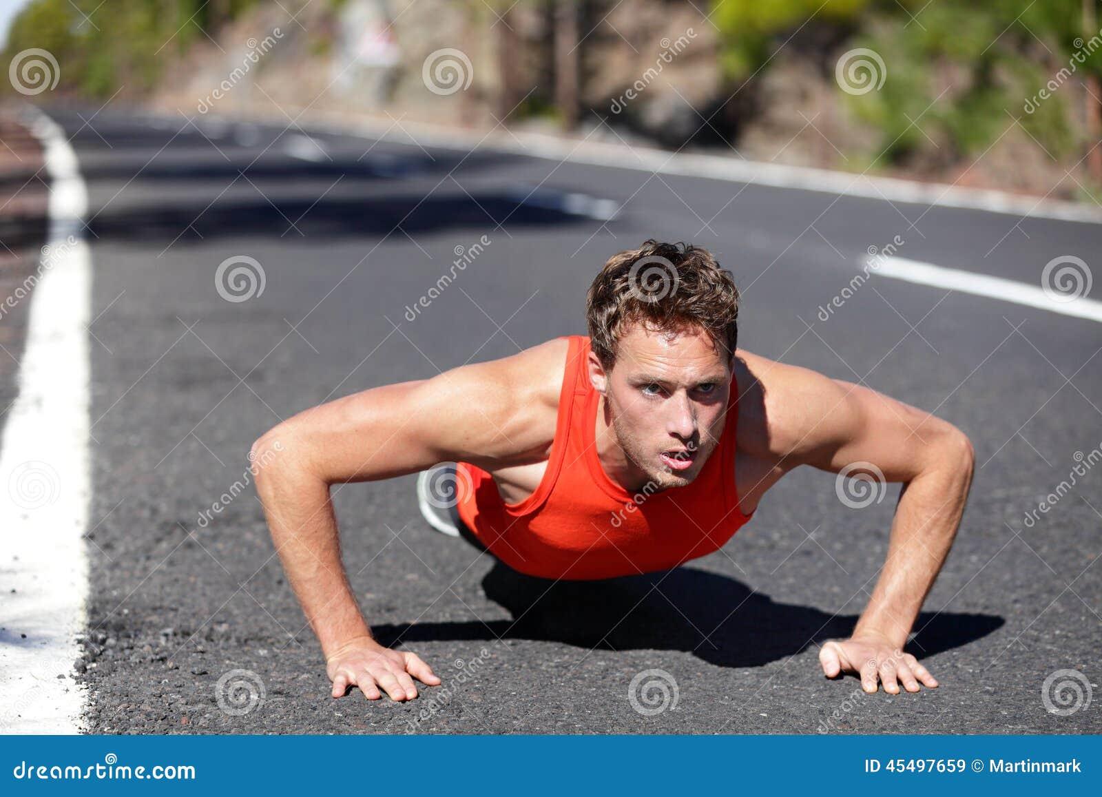 俯卧撑锻炼人训练pushup