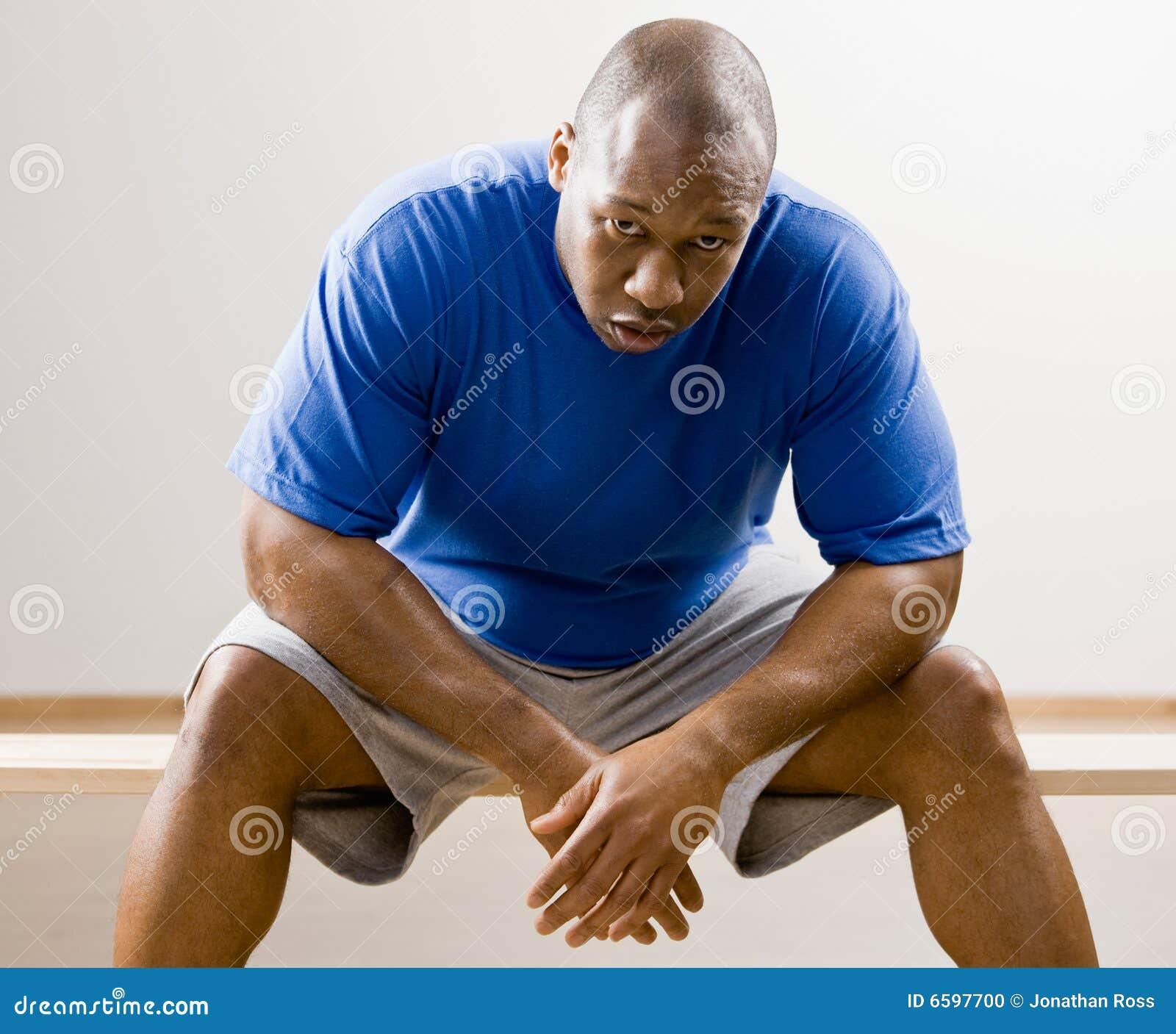 俱乐部倾斜人的健康膝盖