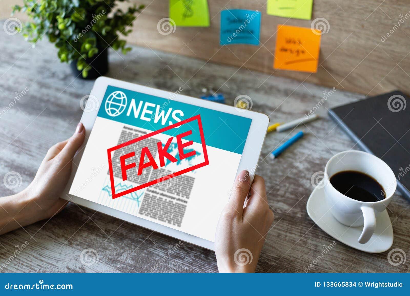 假新闻操作媒介电视假情报报纸企业互联网技术概念