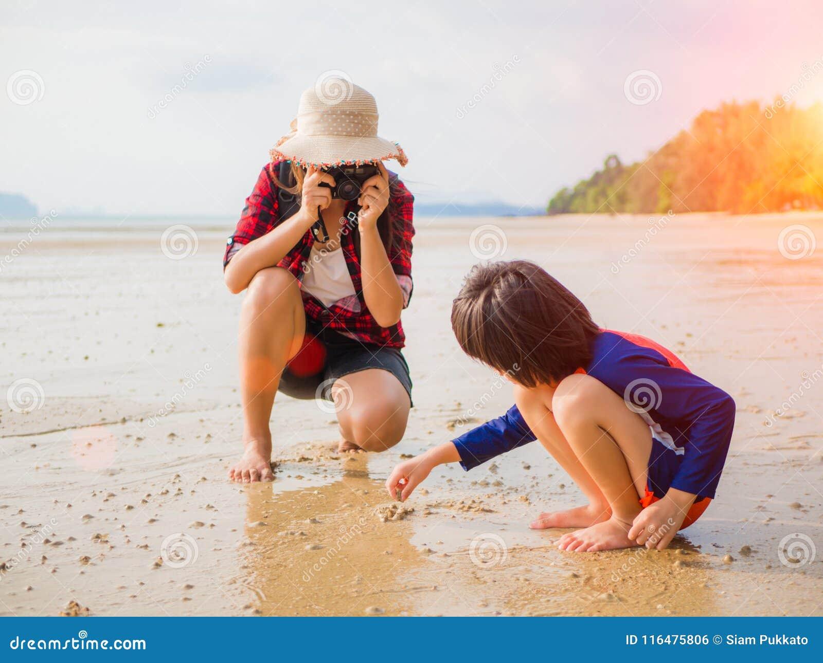 假期夏天和旅行概念