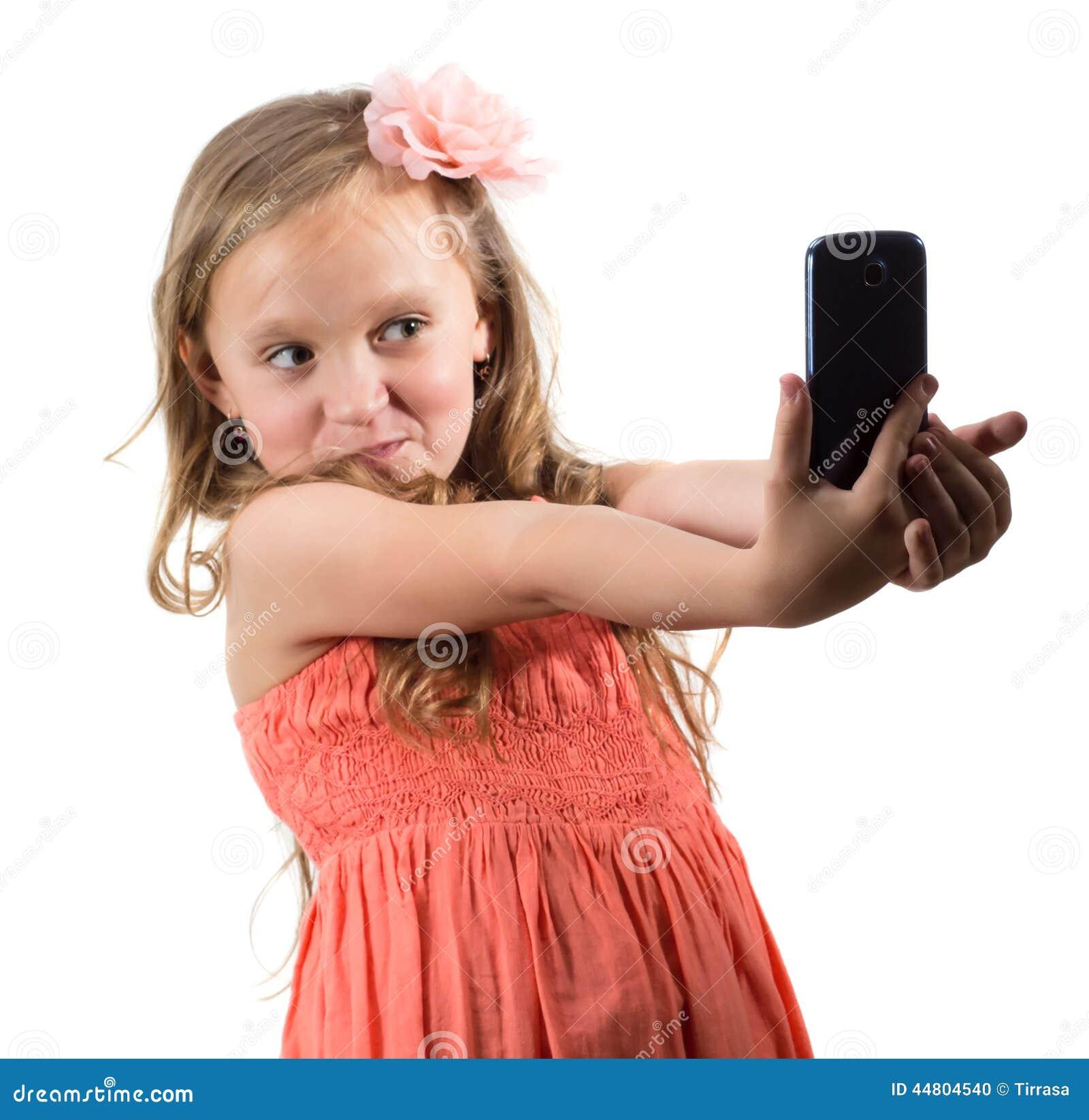 十四小女孩做爰相片_做她的自已的照片小女孩